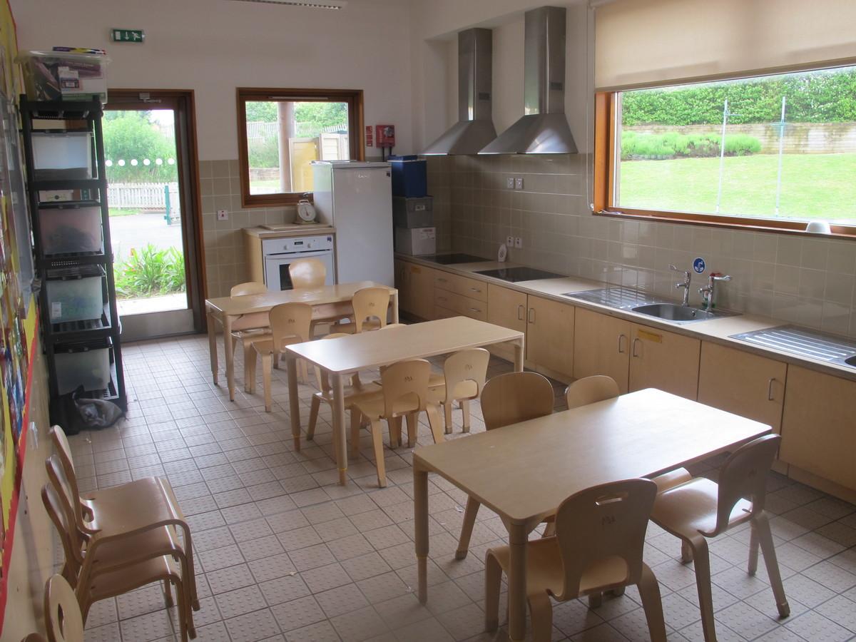 Creative Kitchen - Krishna Avanti (Harrow) Primary School - Harrow - 1 - SchoolHire