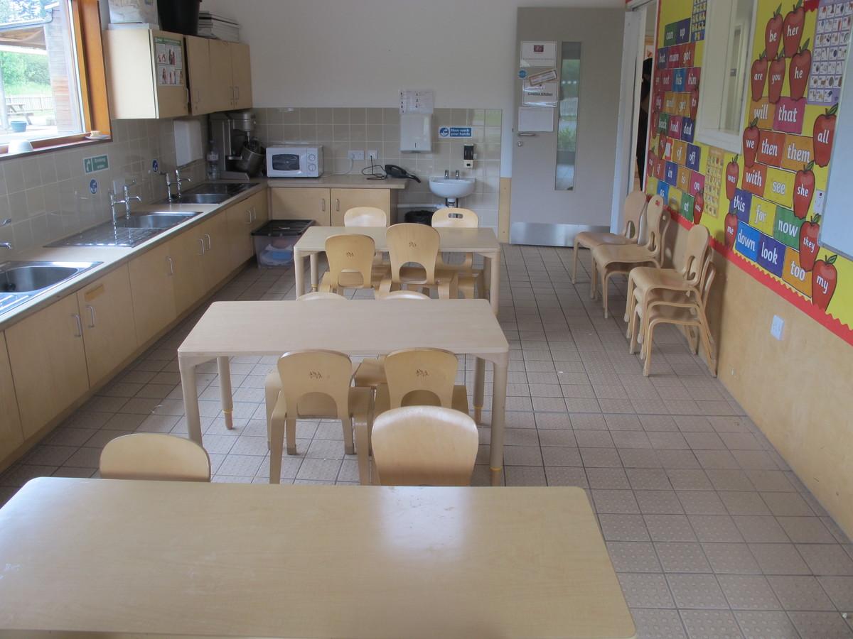 Creative Kitchen - Krishna Avanti (Harrow) Primary School - Harrow - 2 - SchoolHire