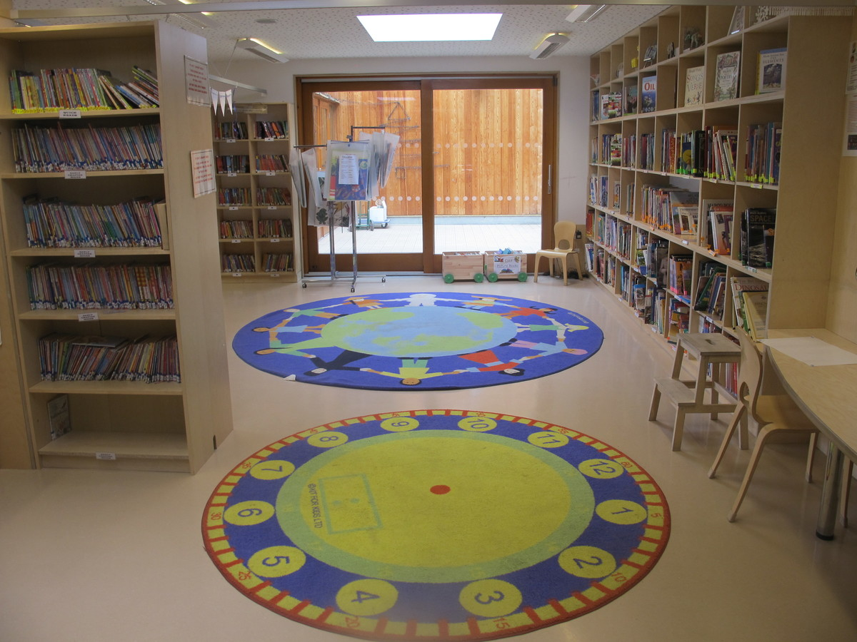 Library - Krishna Avanti (Harrow) Primary School - Harrow - 2 - SchoolHire