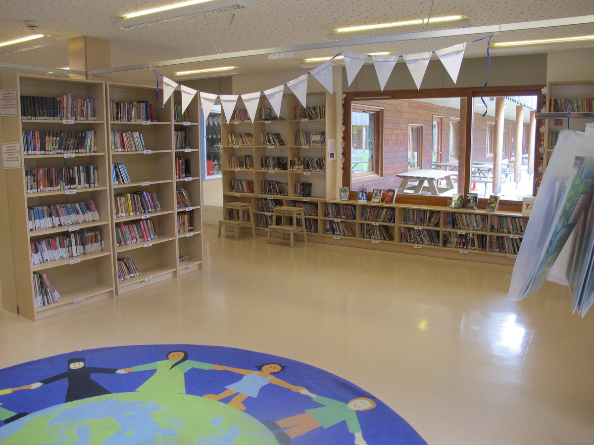 Library - Krishna Avanti (Harrow) Primary School - Harrow - 3 - SchoolHire