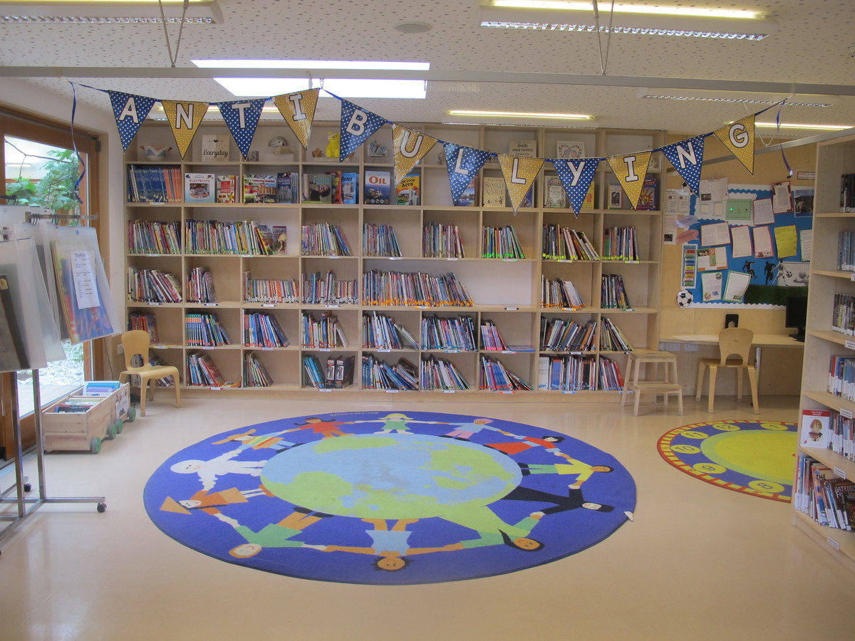 Library - Krishna Avanti (Harrow) Primary School - Harrow - 4 - SchoolHire