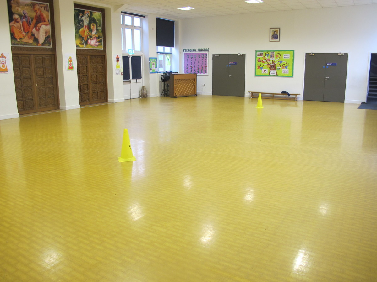 Main Hall At Avanti House Primary School For Hire In