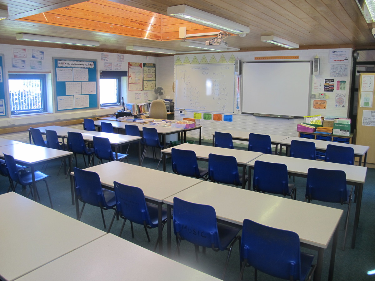 Classrooms - M Block - Toynbee School - Hampshire - 1 - SchoolHire