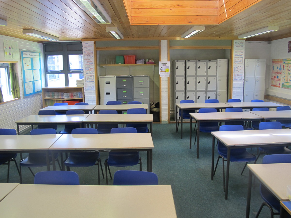 Classrooms - M Block - Toynbee School - Hampshire - 3 - SchoolHire