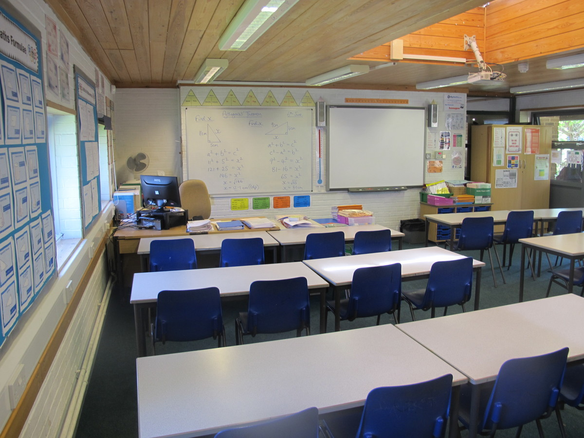 Classrooms - M Block - Toynbee School - Hampshire - 4 - SchoolHire
