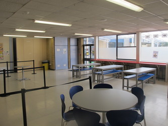 Dining Room - Toynbee School - Hampshire - 4 - SchoolHire