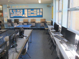 IT Suite 3 - Toynbee School - Hampshire - 2 - SchoolHire