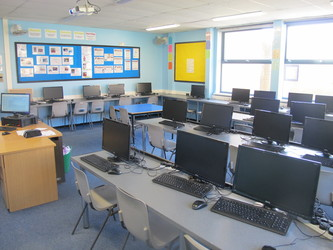 IT Suite 3 - Toynbee School - Hampshire - 3 - SchoolHire