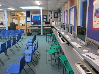 Music Room - Toynbee School - Hampshire - 3 - SchoolHire