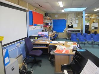 Music Room - Toynbee School - Hampshire - 4 - SchoolHire