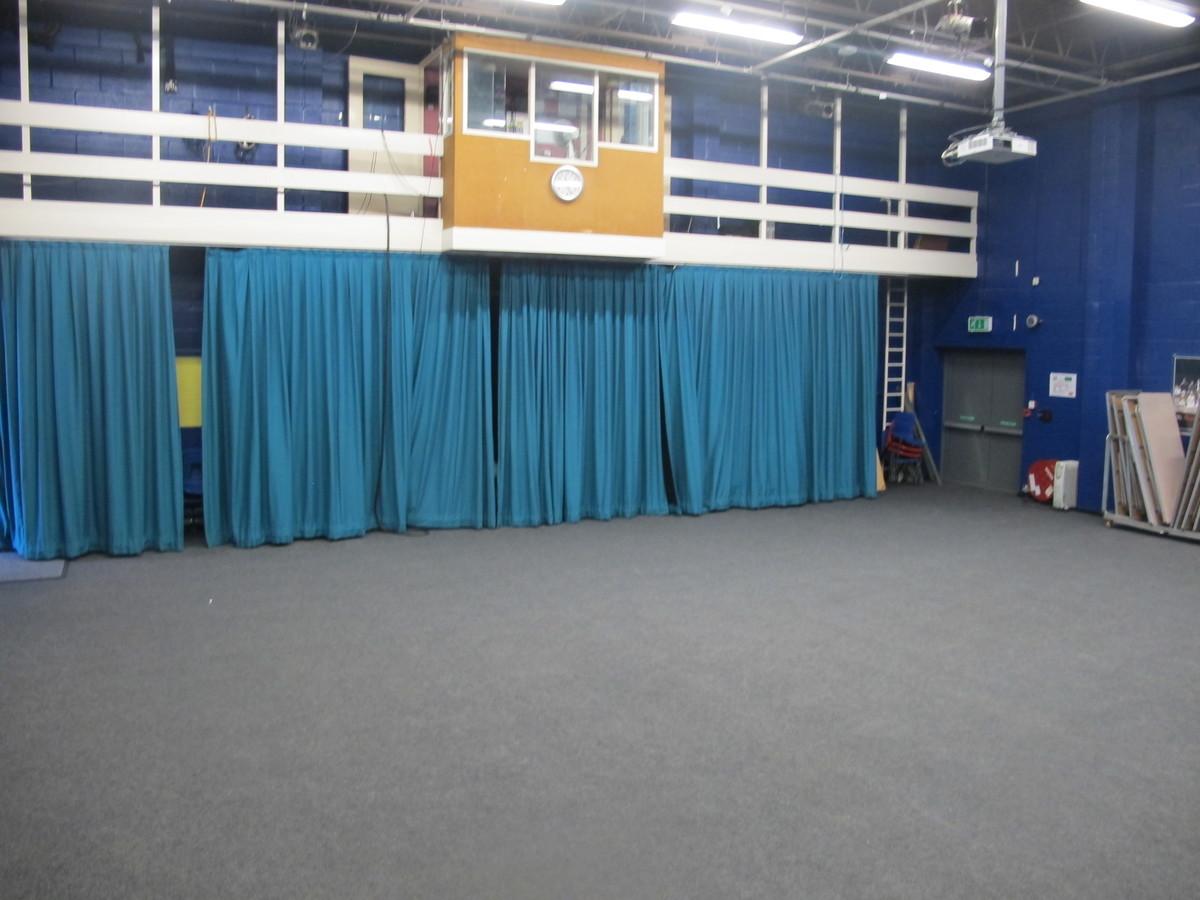 Theatre - Toynbee School - Hampshire - 4 - SchoolHire