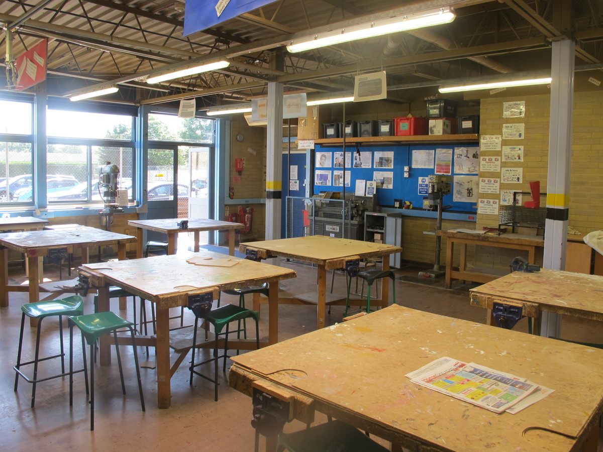 Woodwork Room - Toynbee School - Hampshire - 1 - SchoolHire