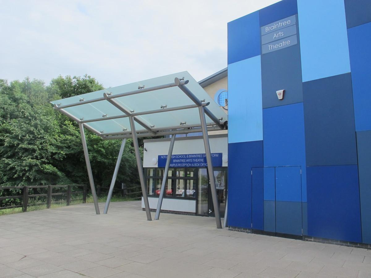 Notley High School & Braintree Sixth Form - Essex - 2 - SchoolHire