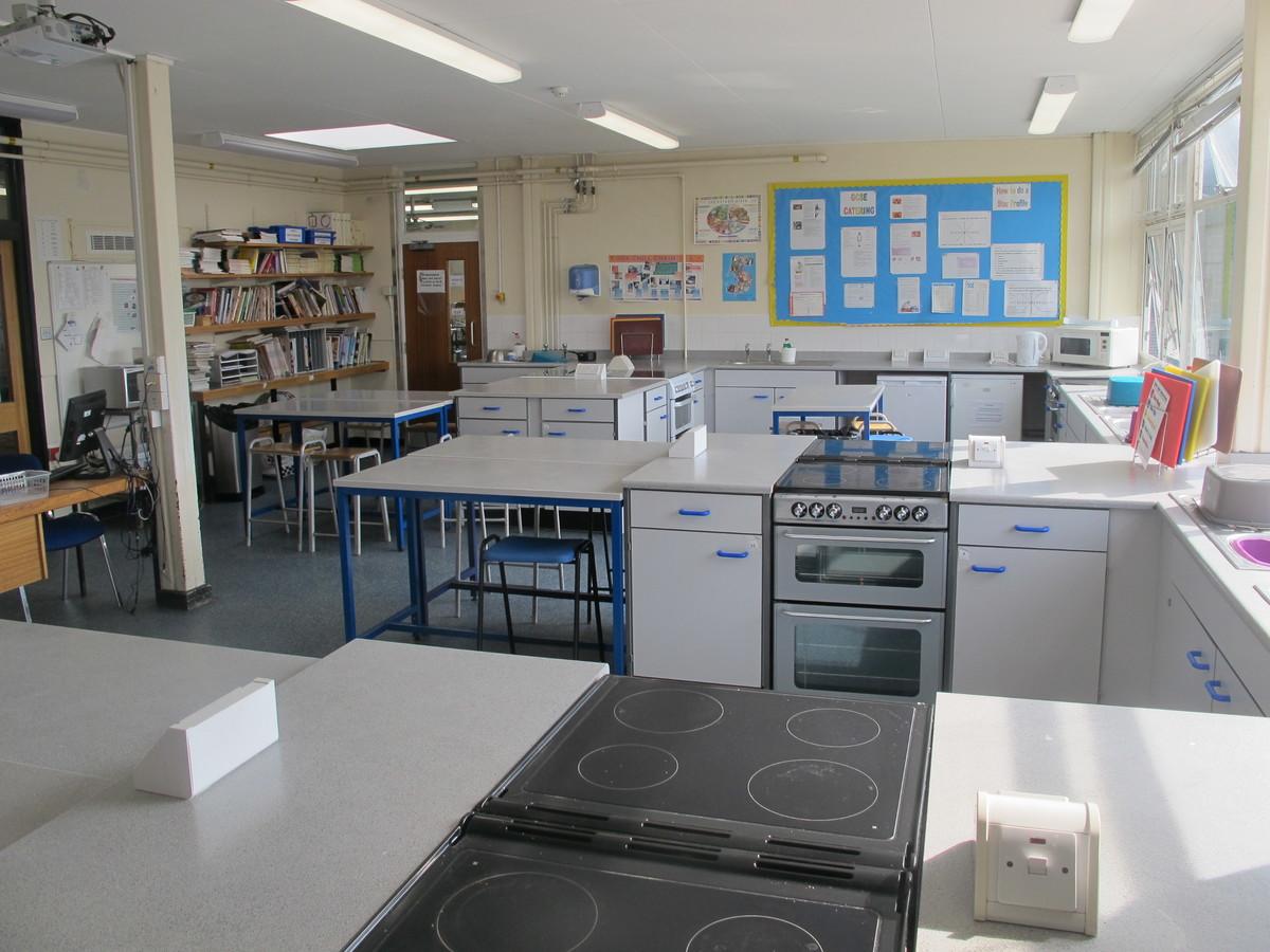 Food Tech Room - Notley High School & Braintree Sixth Form - Essex - 1 - SchoolHire
