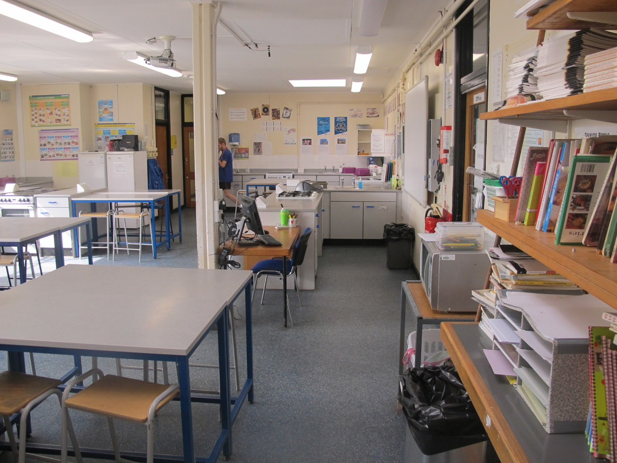 Food Tech Room - Notley High School & Braintree Sixth Form - Essex - 3 - SchoolHire