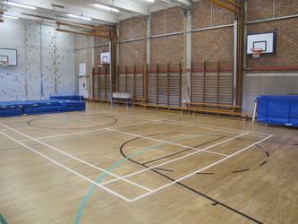 Gampfa / Gymnasium - Ysgol Gyfun Gymraeg Plasmawr - Cardiff - 3 - SchoolHire
