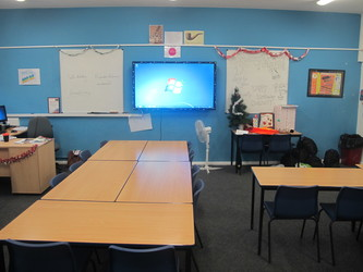 Classrooms - Old Style - G Corridor - Wallington High School for Girls - Sutton - 3 - SchoolHire