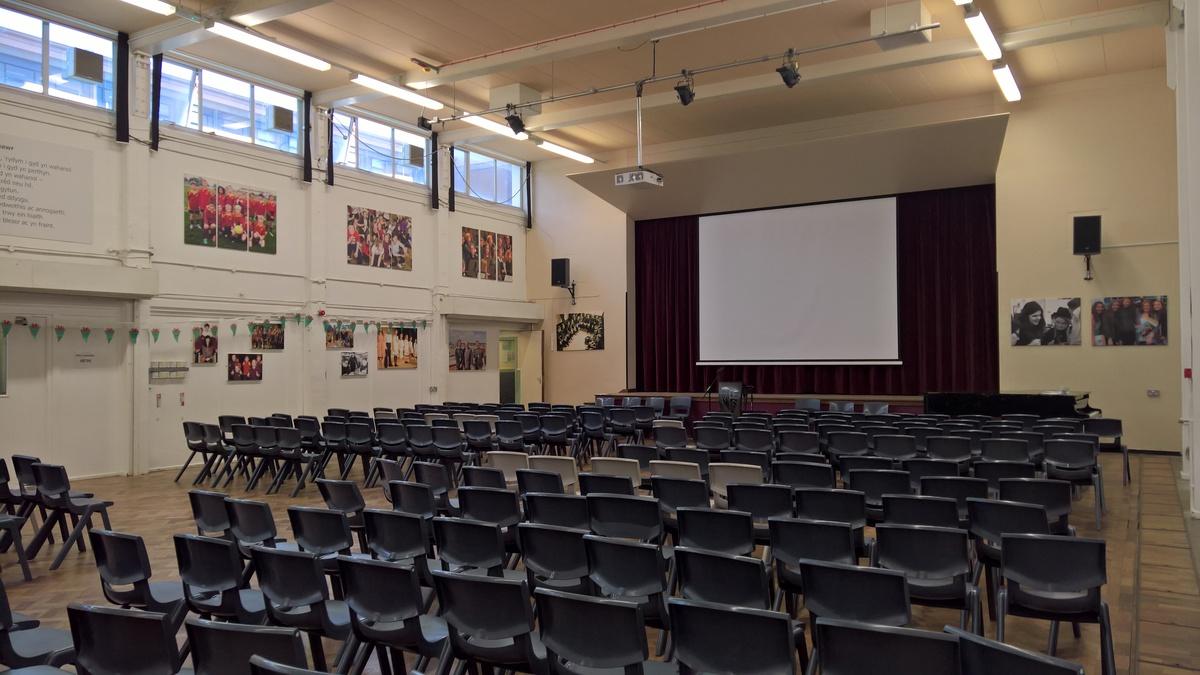 Prif Neuadd / Main Hall - Ysgol Gyfun Gymraeg Plasmawr - Cardiff - 2 - SchoolHire