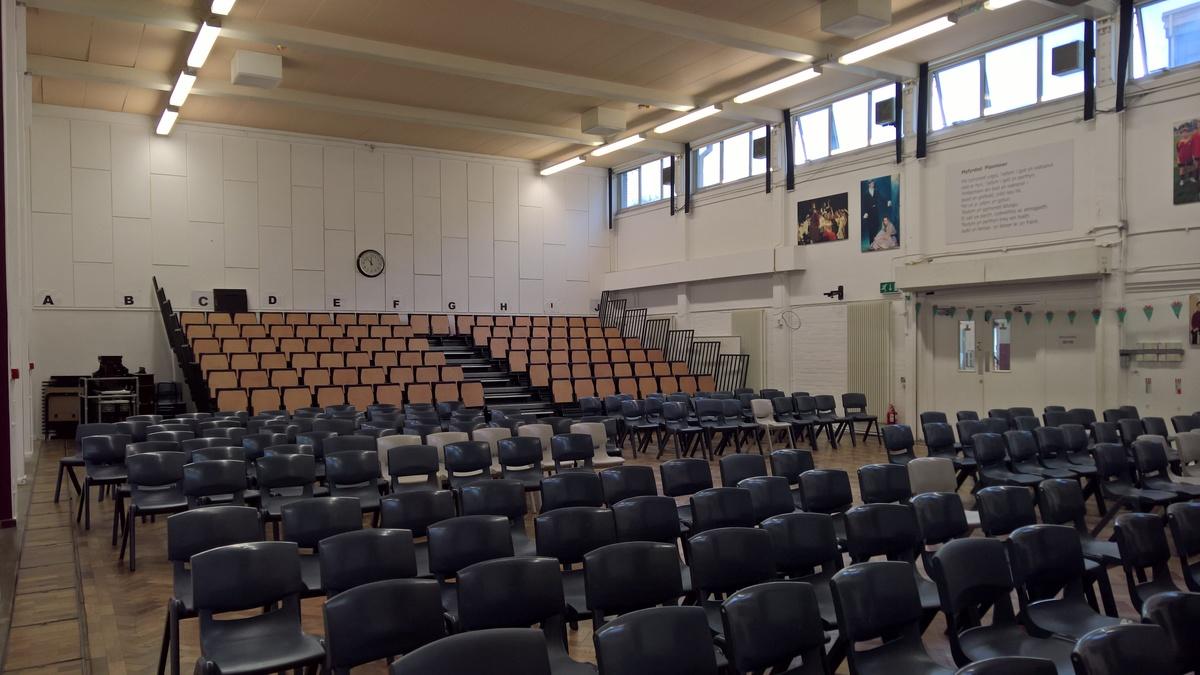Prif Neuadd / Main Hall - Ysgol Gyfun Gymraeg Plasmawr - Cardiff - 4 - SchoolHire