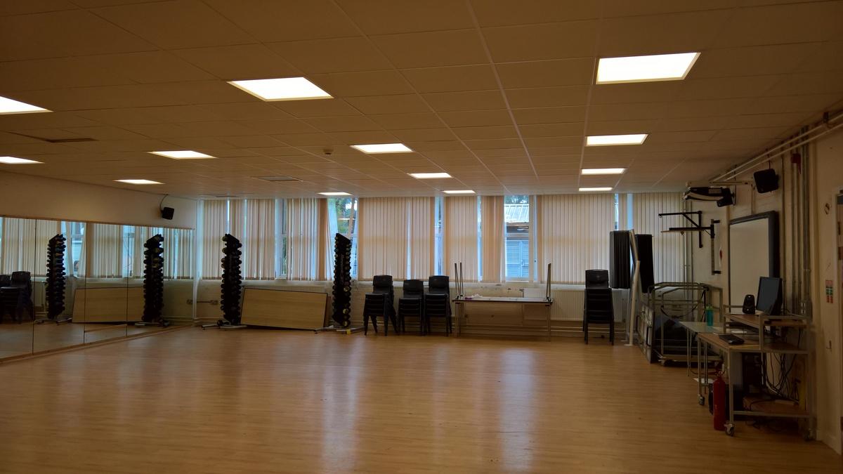Stiwdio Ddawns / Dance Studio - Ysgol Gyfun Gymraeg Plasmawr - Cardiff - 1 - SchoolHire
