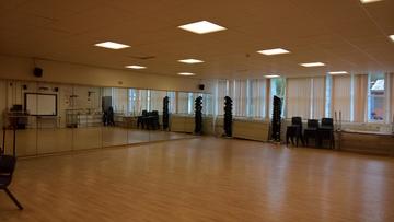Stiwdio Ddawns / Dance Studio - Ysgol Gyfun Gymraeg Plasmawr - Cardiff - 2 - SchoolHire