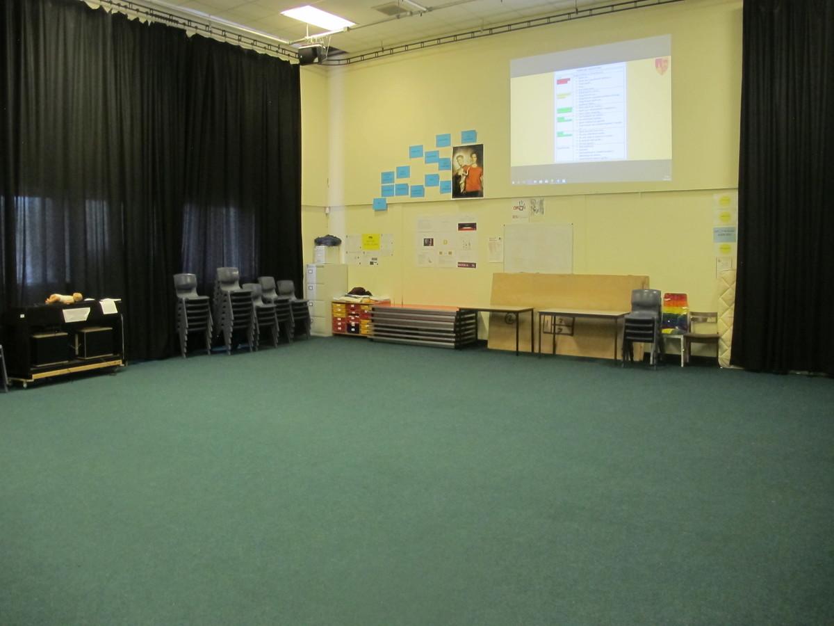 Stiwdio Ddrama  / Drama Studio - Ysgol Gyfun Gymraeg Plasmawr - Cardiff - 1 - SchoolHire
