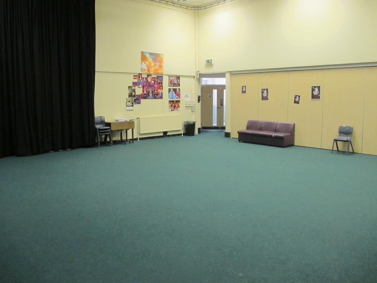 Stiwdio Ddrama  / Drama Studio - Ysgol Gyfun Gymraeg Plasmawr - Cardiff - 2 - SchoolHire