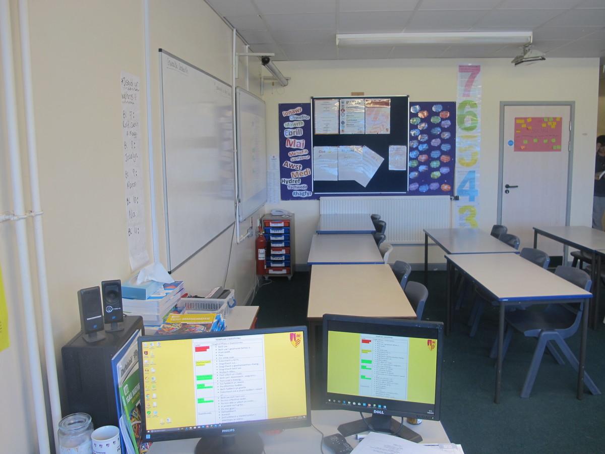 Ystafell Ddosbarth / Classrooms - Ysgol Gyfun Gymraeg Plasmawr - Cardiff - 3 - SchoolHire