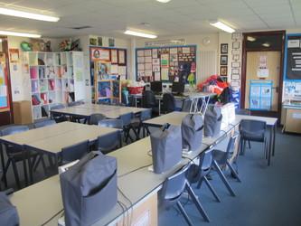 Ystafell Tecstiliau / Sewing Room - Ysgol Gyfun Gymraeg Plasmawr - Cardiff - 3 - SchoolHire