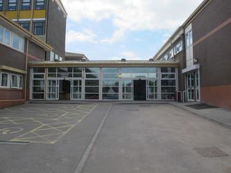 Ysgol Gyfun Gymraeg Plasmawr - Cardiff - 1 - SchoolHire