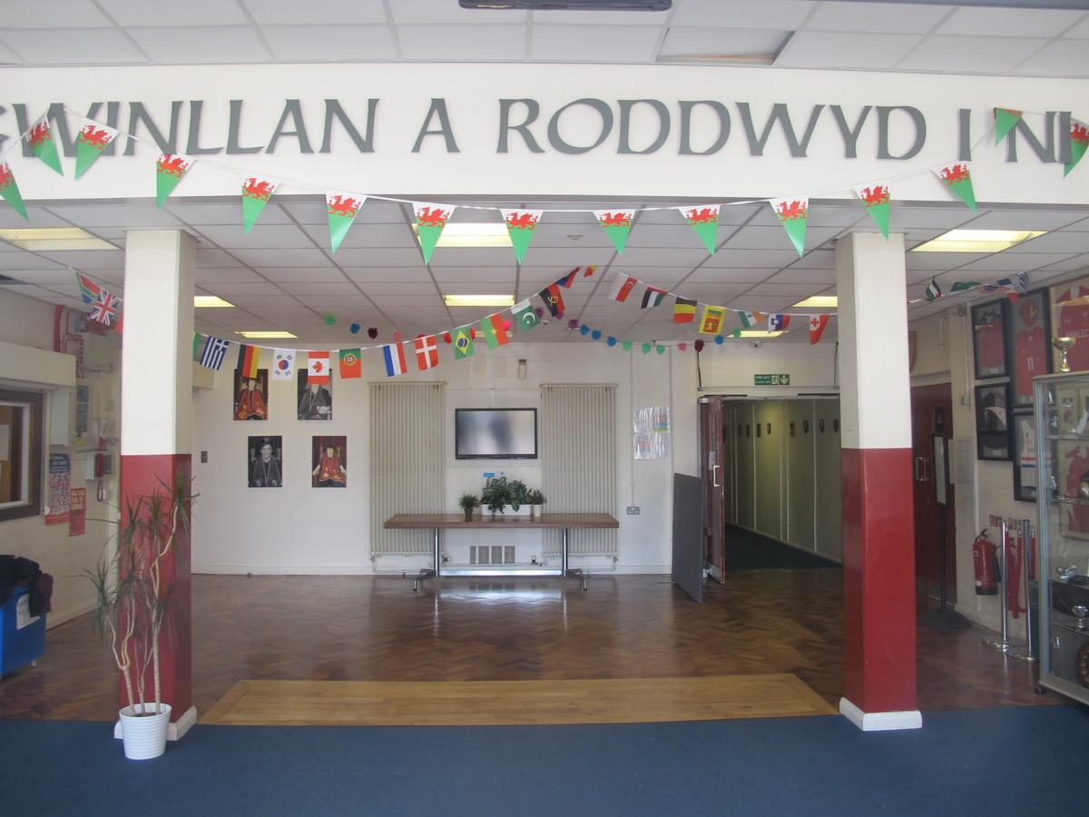Ysgol Gyfun Gymraeg Plasmawr - Cardiff - 4 - SchoolHire