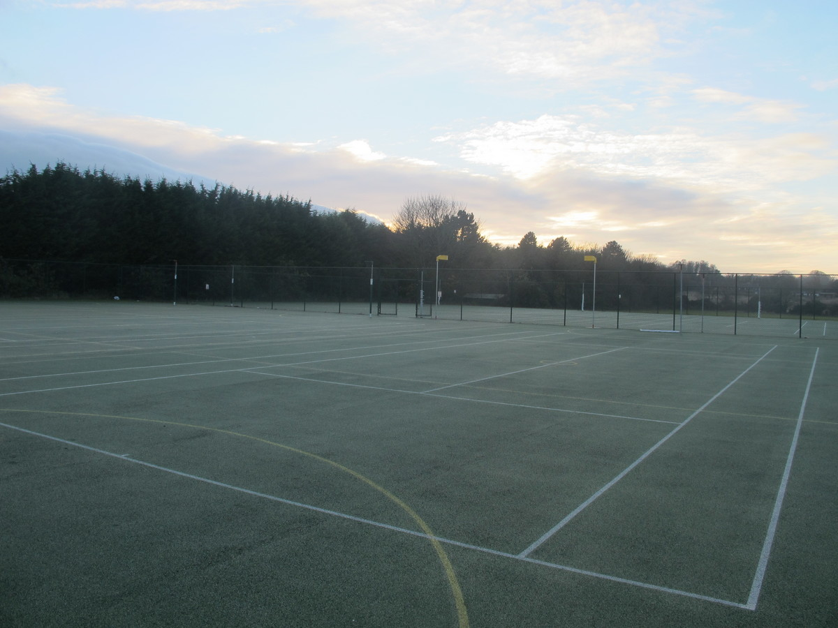 Outdoor Netball / Tennis Courts 2 - Wallington High School for Girls - Sutton - 3 - SchoolHire