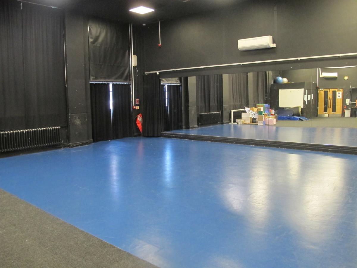 Dance Studio - Preston Manor School - Brent - 3 - SchoolHire