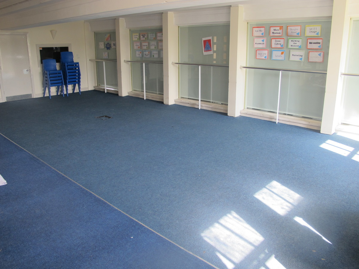 Drama Room - Preston Manor School - Brent - 1 - SchoolHire