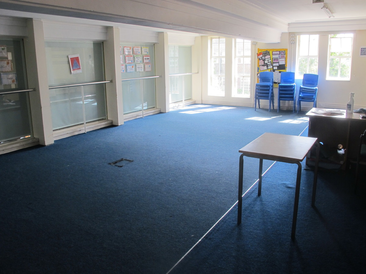 Drama Room - Preston Manor School - Brent - 4 - SchoolHire