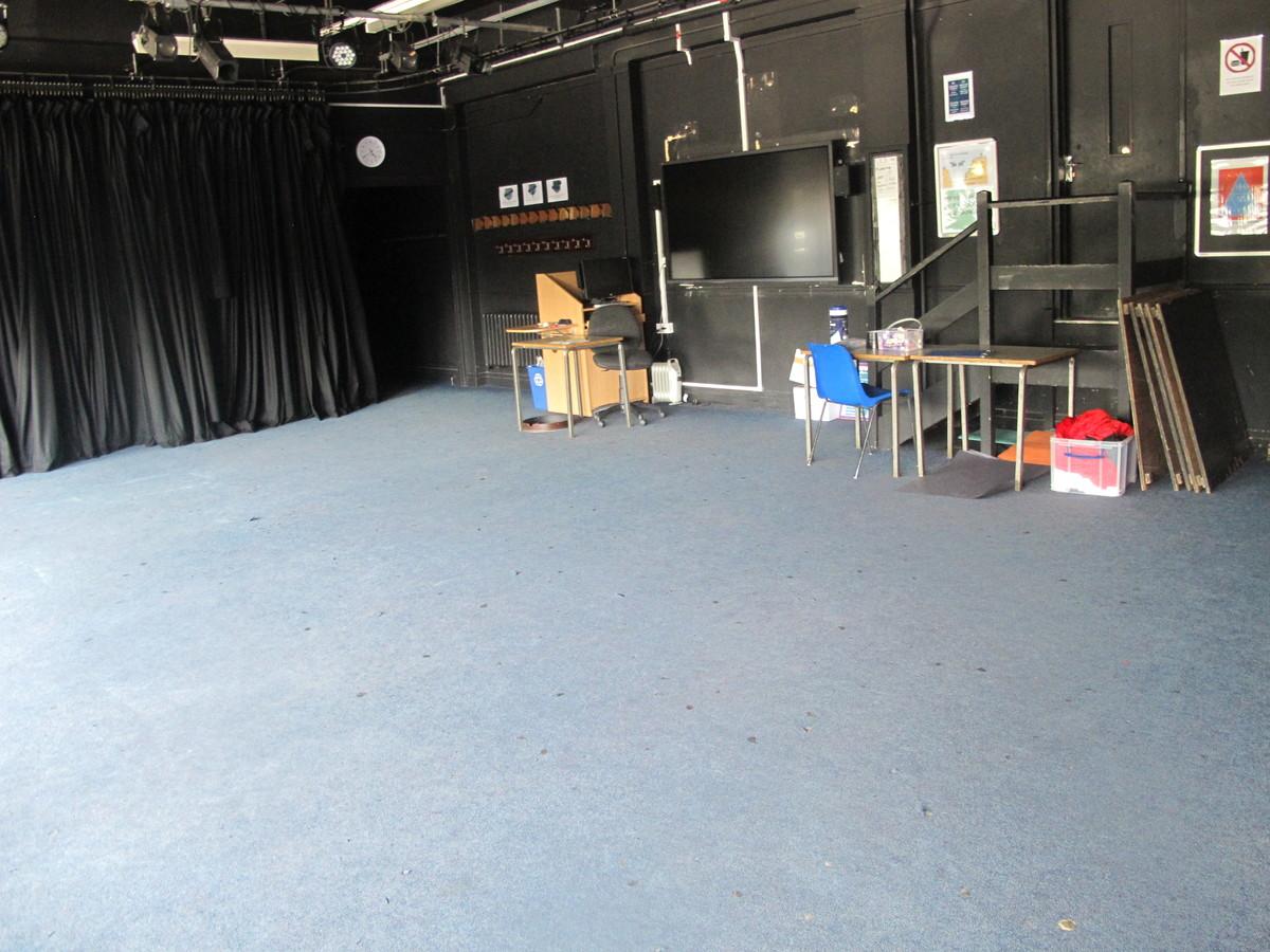 Drama Studio - Preston Manor School - Brent - 1 - SchoolHire