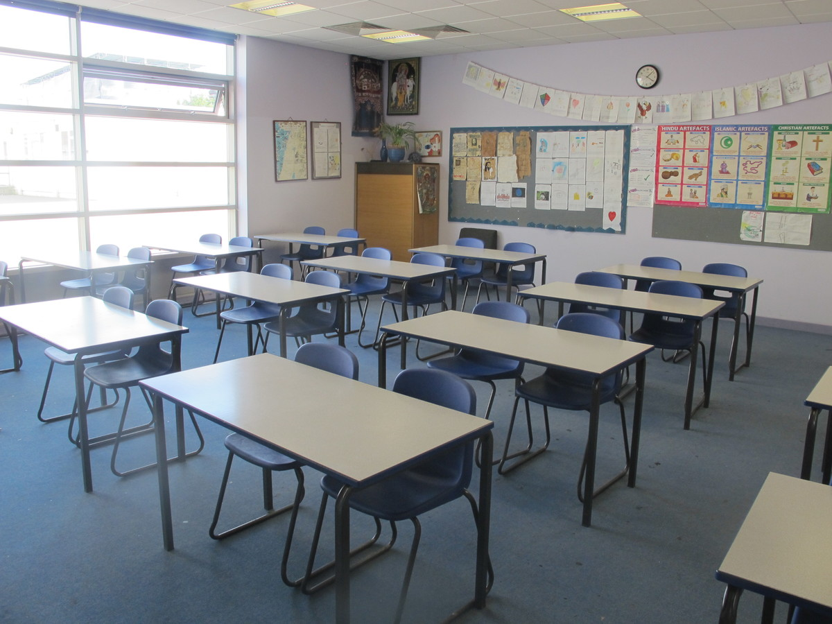 Classrooms - P Block - Preston Manor School - Brent - 1 - SchoolHire