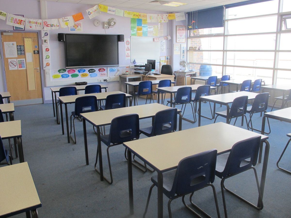 Classrooms - P Block - Preston Manor School - Brent - 4 - SchoolHire