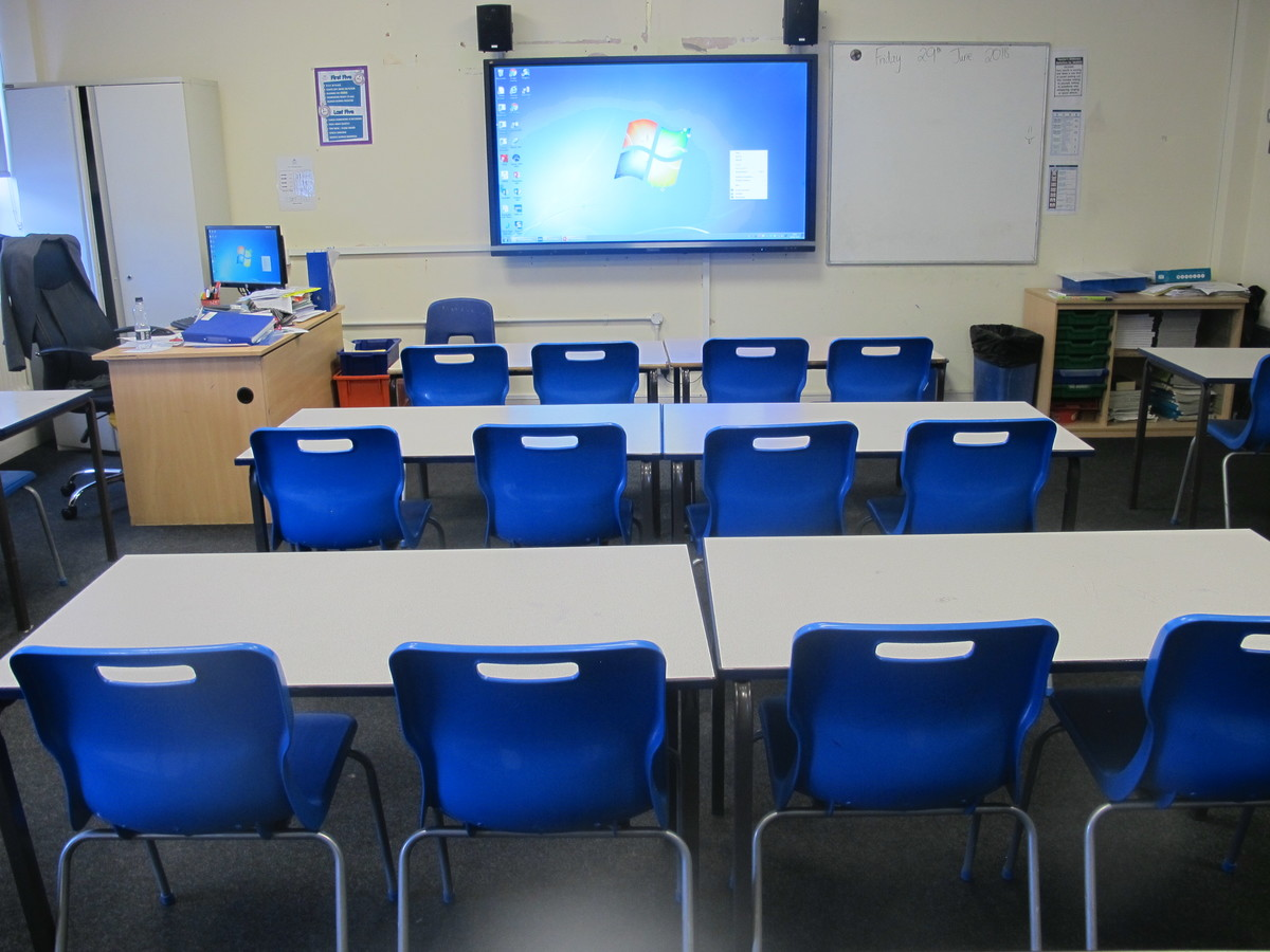 Classrooms - M Block - Preston Manor School - Brent - 2 - SchoolHire
