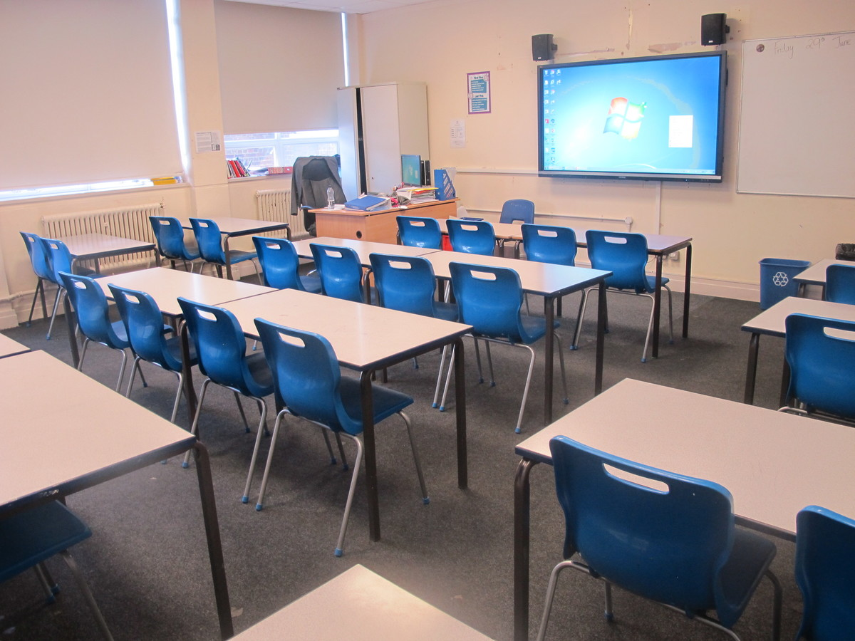 Classrooms - M Block - Preston Manor School - Brent - 4 - SchoolHire