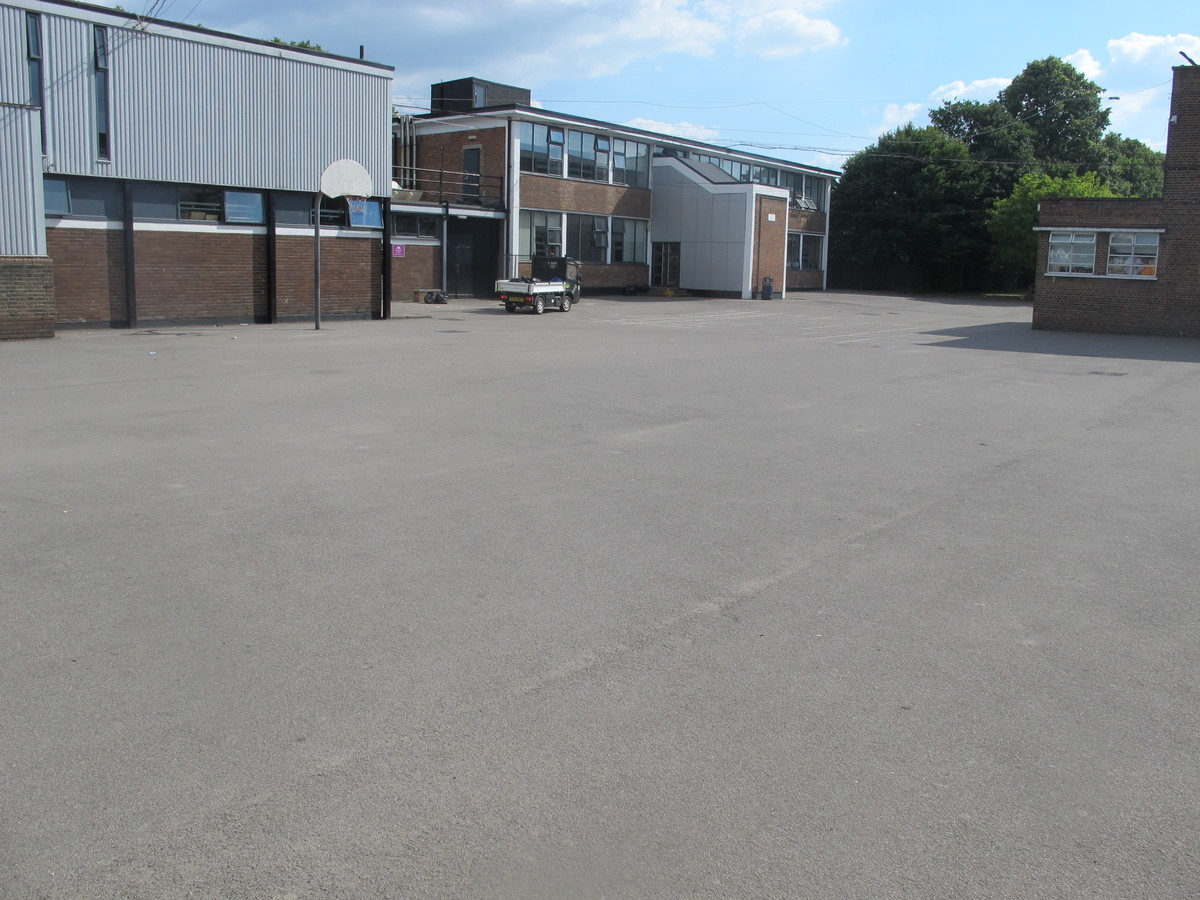 Car Park - Preston Manor School - Brent - 1 - SchoolHire