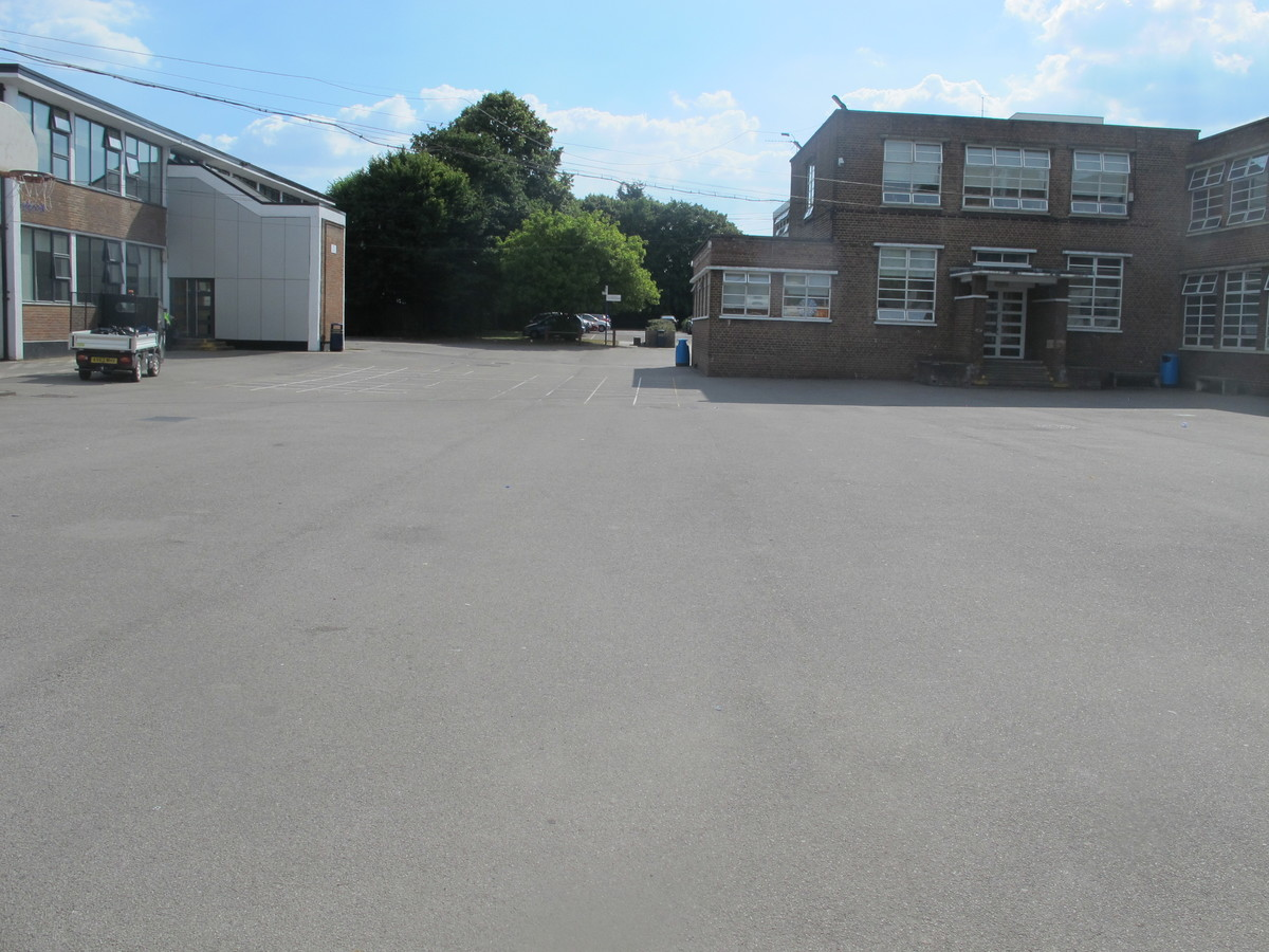 Car Park - Preston Manor School - Brent - 3 - SchoolHire