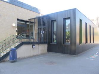 James Wolfe Primary School with Centre for Deaf Children - Greenwich - 4 - SchoolHire