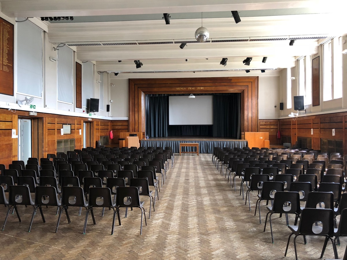 Main Hall - Preston Manor School - Brent - 1 - SchoolHire