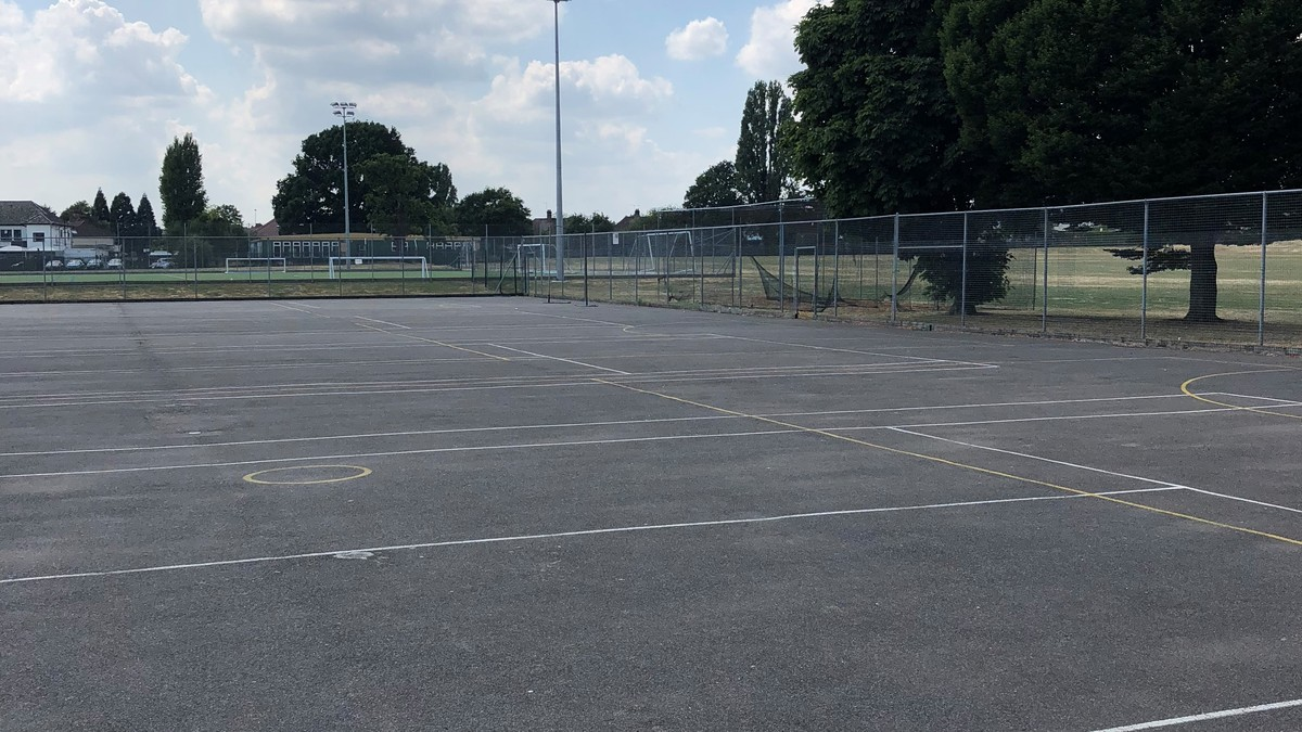 Outdoor Netball Court - Preston Manor School - Brent - 3 - SchoolHire