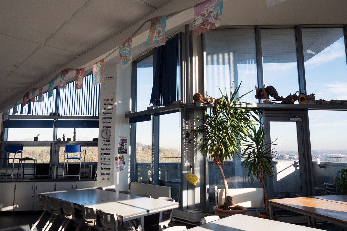 Art Room - Fairfield High School - Bristol City of - 3 - SchoolHire