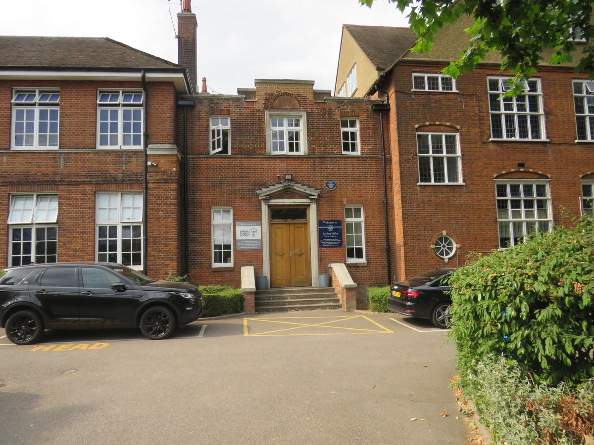Roding Valley High School - Essex - 2 - SchoolHire