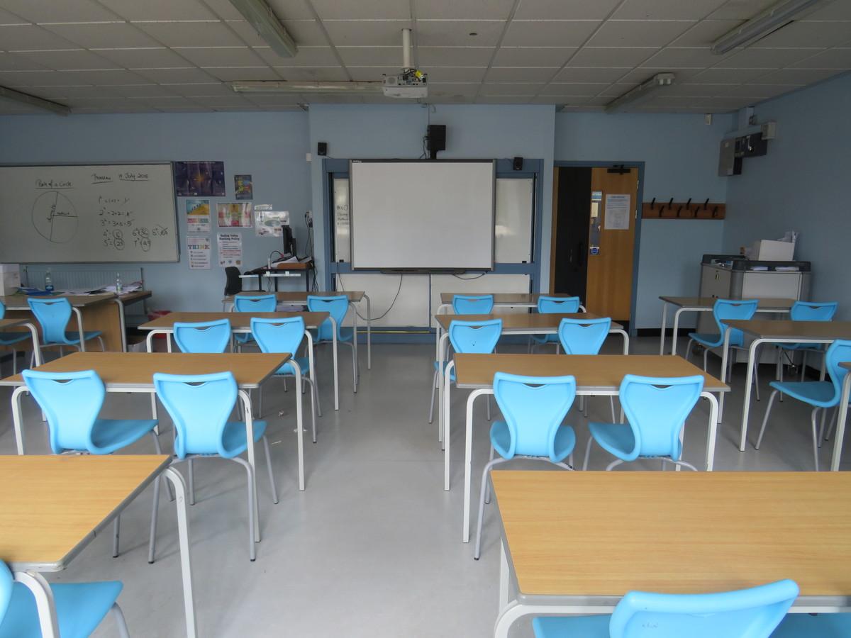 Classrooms - Standard - Roding Valley High School - Essex - 3 - SchoolHire
