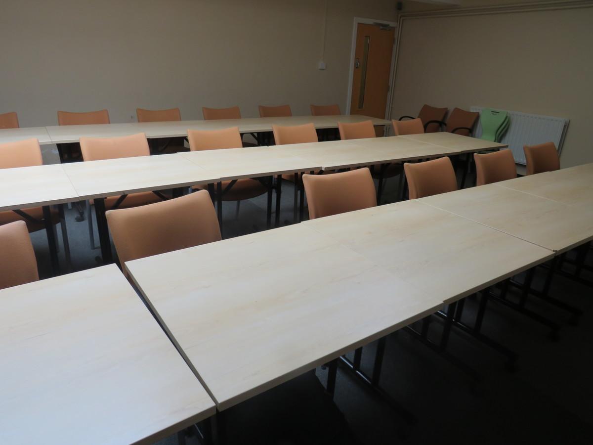 Conference Room (CA3) - Roding Valley High School - Essex - 4 - SchoolHire