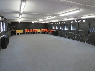 Drama Hut - Roding Valley High School - Essex - 1 - SchoolHire
